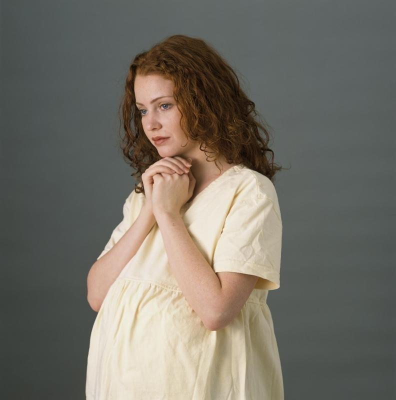 Что делать, если миома матки во время беременности начала расти?