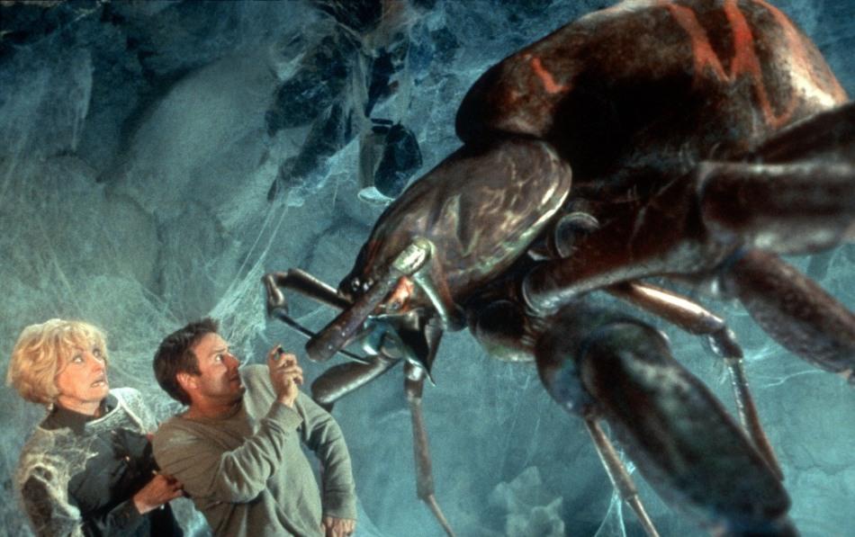 Фантастические фильмы про гигантских насекомых - убийц - одна из причин инсектофобии.
