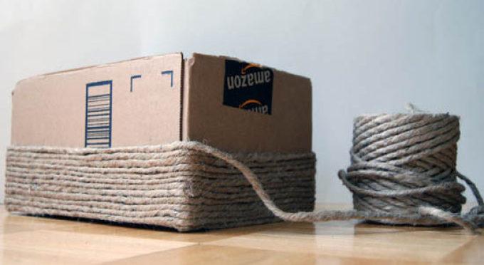 28b8d6f9db08d0d663e9e3c1b3020f59 Как сделать красивые коробки для хранения вещей: из ткани, из картона. Как украсить картонную коробку для хранения: техника декупаж, изготовления вкладыша из ткани. Вязанная из джутовой веревки коробка для хранения