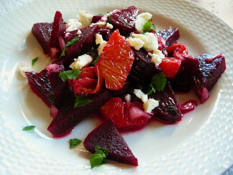Салат со свеклой и морской капустой