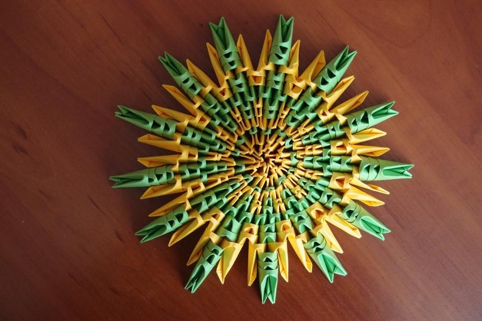 snezhinka-origami-foto-4 Как крючком связать красивую снежинку? Снежинки крючком: узор, схемы с описанием для начинающих
