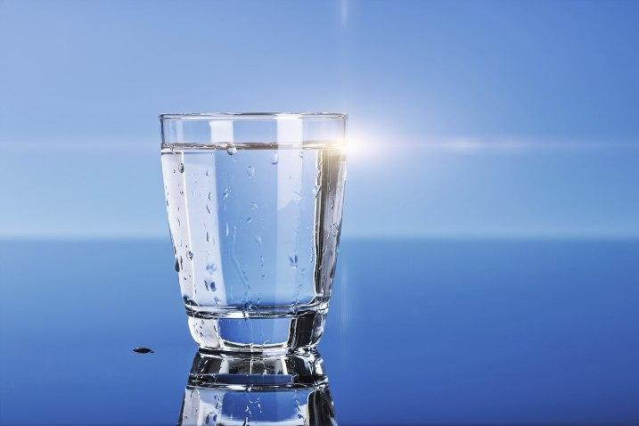 Вода помогает повысить метаболизм после 50 лет