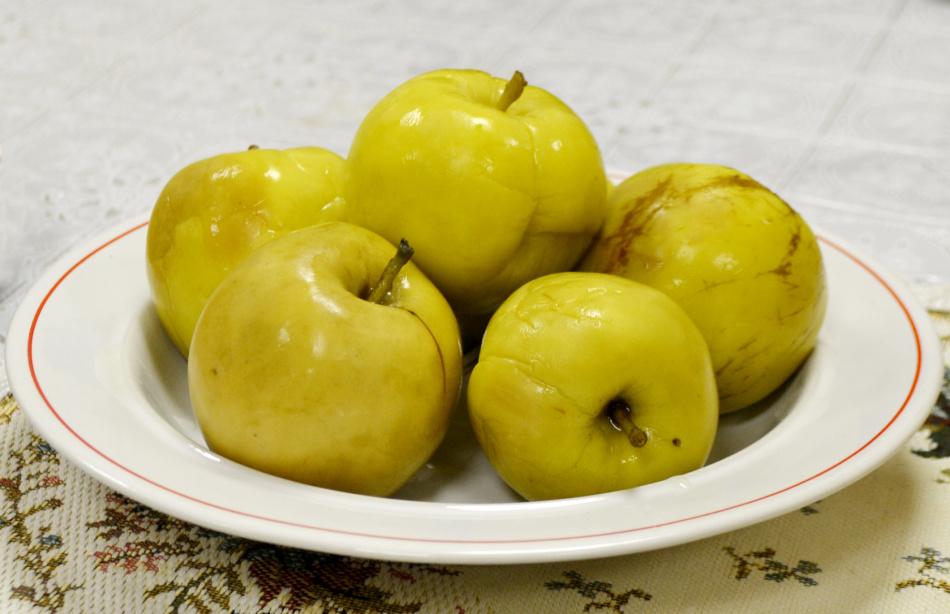 как правильно замочить яблоки в домашних