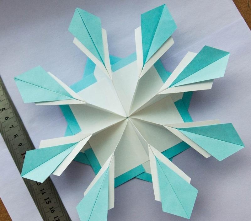 snezhinka-origami-foto-6 Как крючком связать красивую снежинку? Снежинки крючком: узор, схемы с описанием для начинающих
