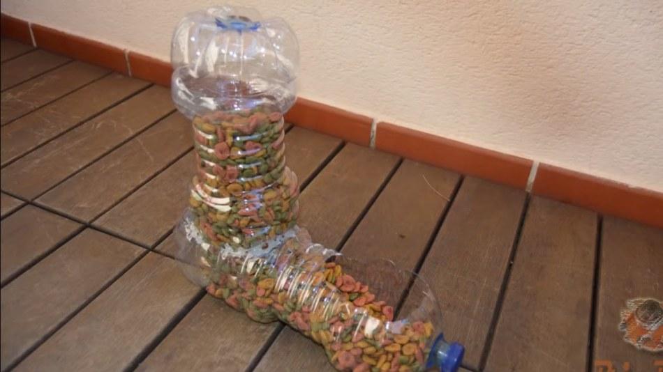 bunkernaya-kormushka Кормушка для птиц из пластиковой бутылки