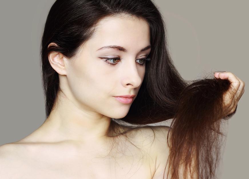 Так выглядят сухие кончики волос
