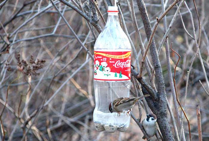 kormushka-iz-15-l-butilki Кормушка для птиц из пластиковой бутылки