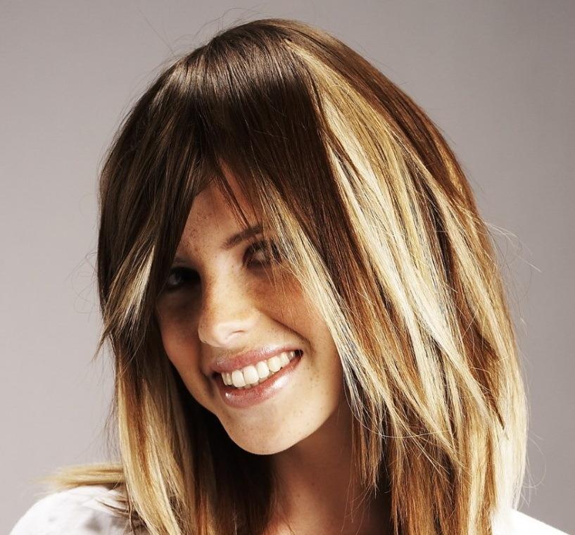 molodezhnoe-ombre-na-volosi-do-plech Омбре на короткие волосы: варианты окрашивания, фото. Омбре окрашивание на темные короткие волосы и блонд в домашних условиях: фото