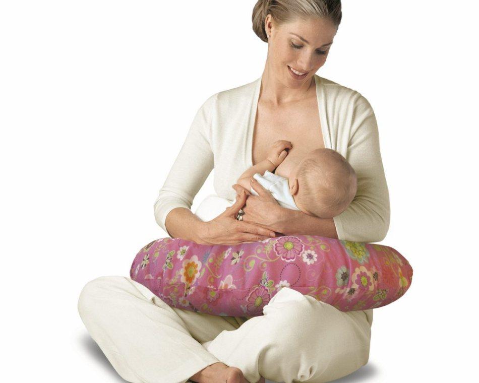 Кормление малыша: естественное и искусственное