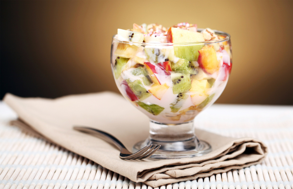 Фруктовый салат с льняной заправкой
