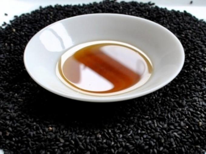 Масло черного тмина имеет в составе уникальную композицию биологически активных веществ.