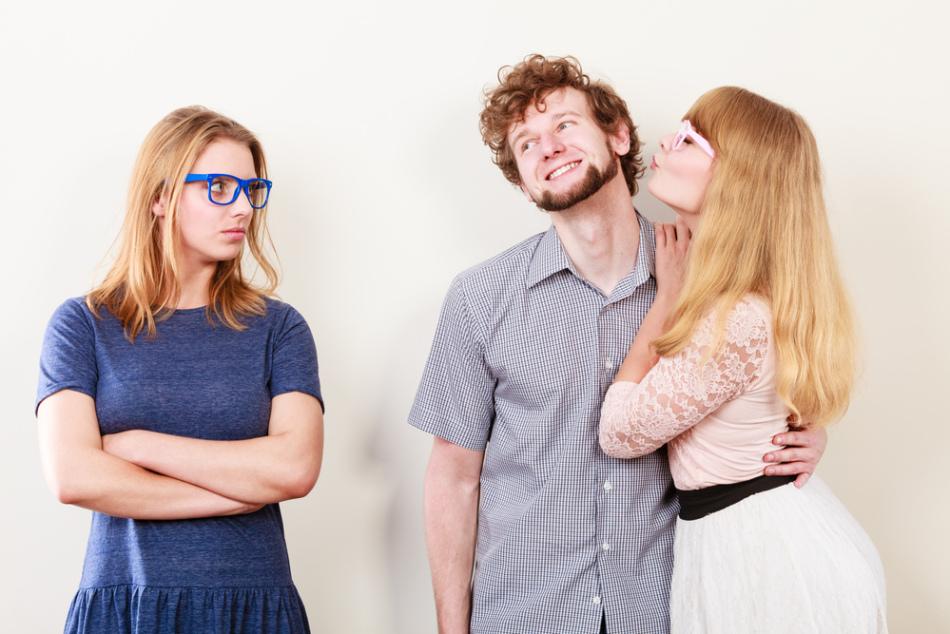Как узнать ревность по признакам? как она проявляется?