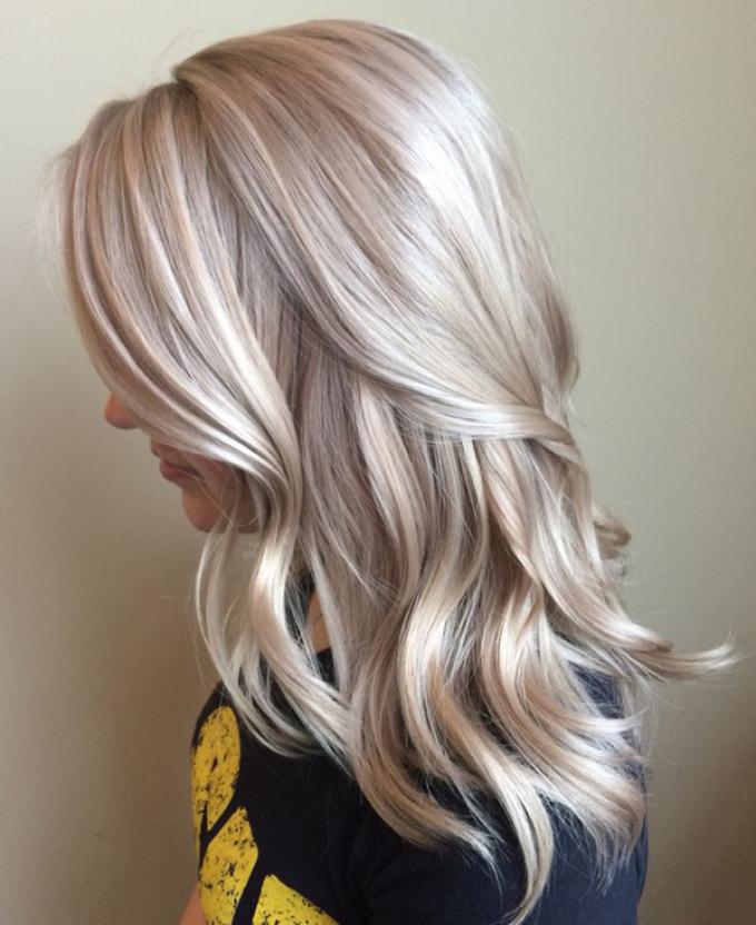 Нежный платиновый цвет волос