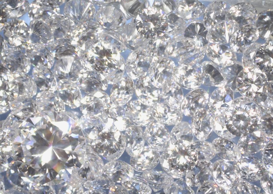 Белые драгоценные камни