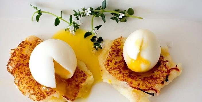 Куриные и перепелиные можно яйца есть при атеросклерозе, заболеваниях сердца, повышенном холестерине, но в умеренных количествах