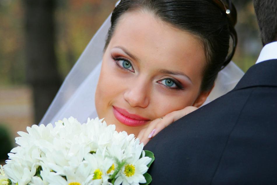 Оригинальный макияж глаз для невесты