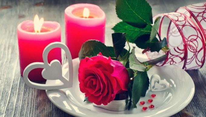 Свечи и розы