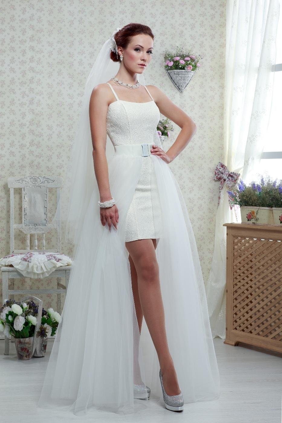 nezhnoe-svadebnoe-plate-transformer Платье трансформер: варианты вечерних платьев. Как сшить платье со съемной юбкой своими руками?