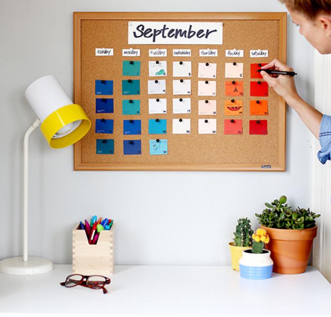 vot-takoi-poluchaetsya-nastennii-kalendar Календарь своими руками - 80 фото, шаблоны и идеи оформления как сделать красивый календарь