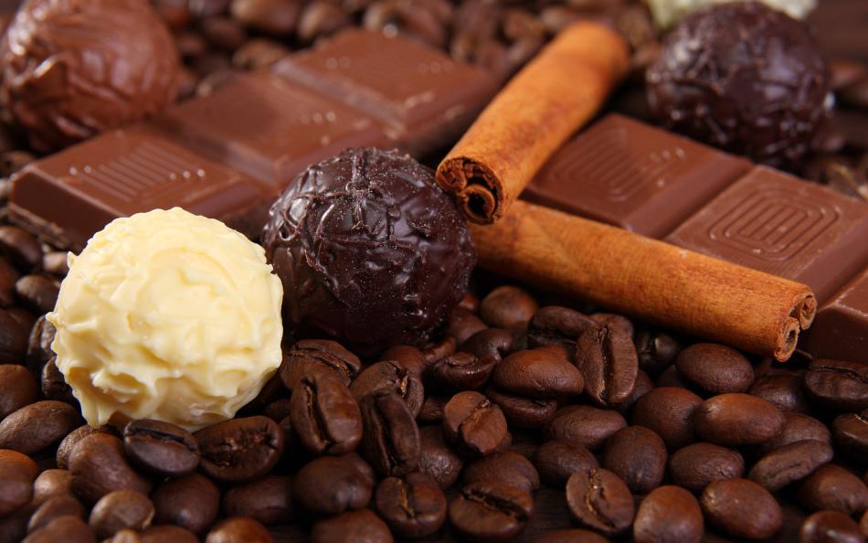 Сладости и натуральный кофе помогут повысить пониженное давление