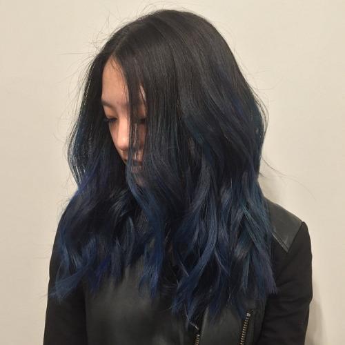 Темно-синее омбре