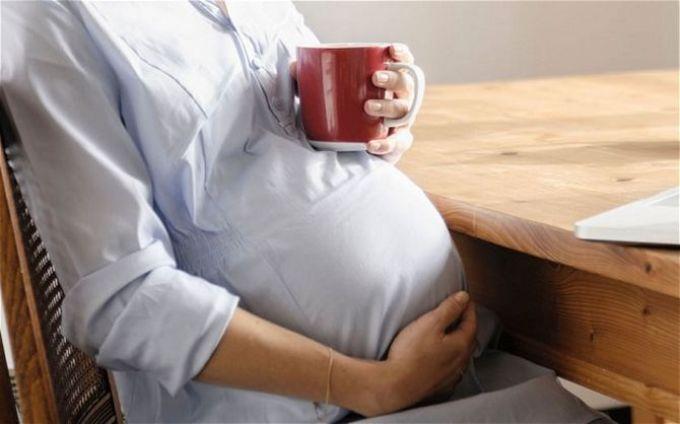 Чай с шиповником рекомендован беременным женщинам.