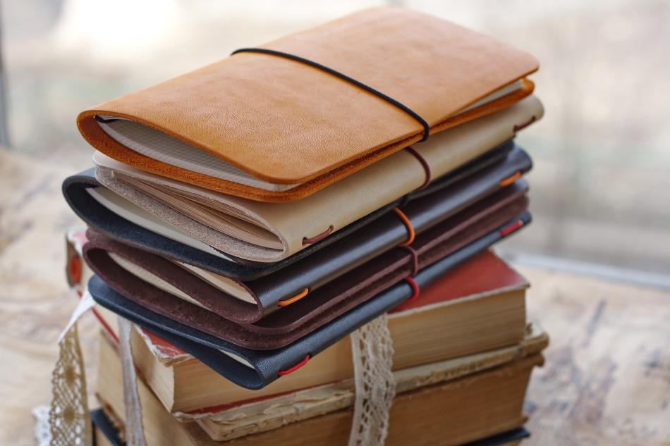 Дорогая записная книжка в подарок