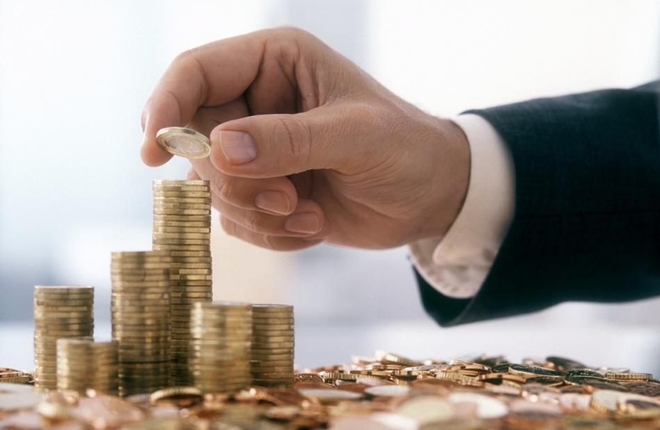 Человек с небольшой линией в сторону мизинца способен легко управляться с деньгами