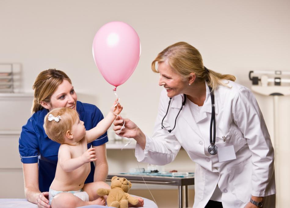 Дети раннего возраста нуждаются во врачебном контроле