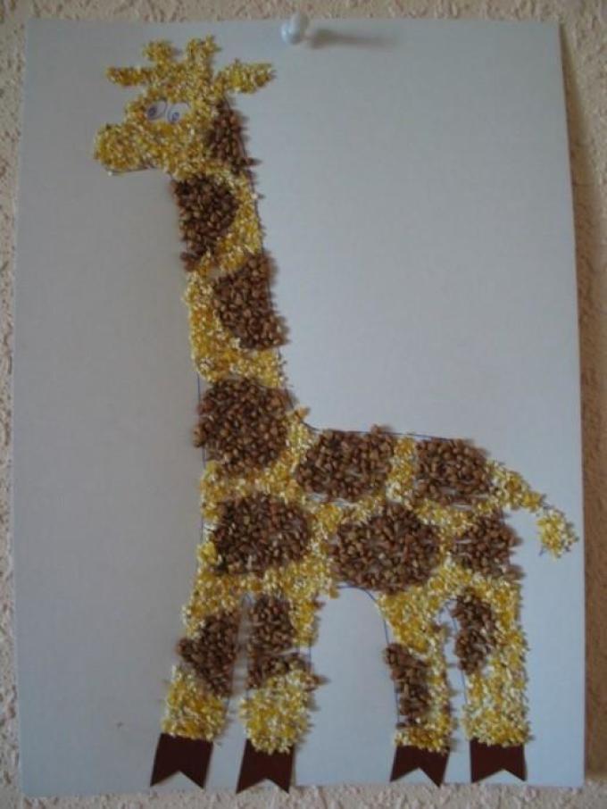 Жираф из крупы