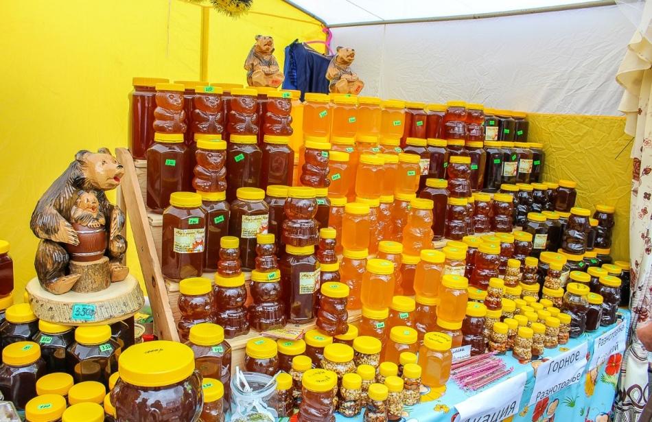 Ярмарка - это атмосферно и интересно, но даже там стоит внимательно относиться к покупке меда