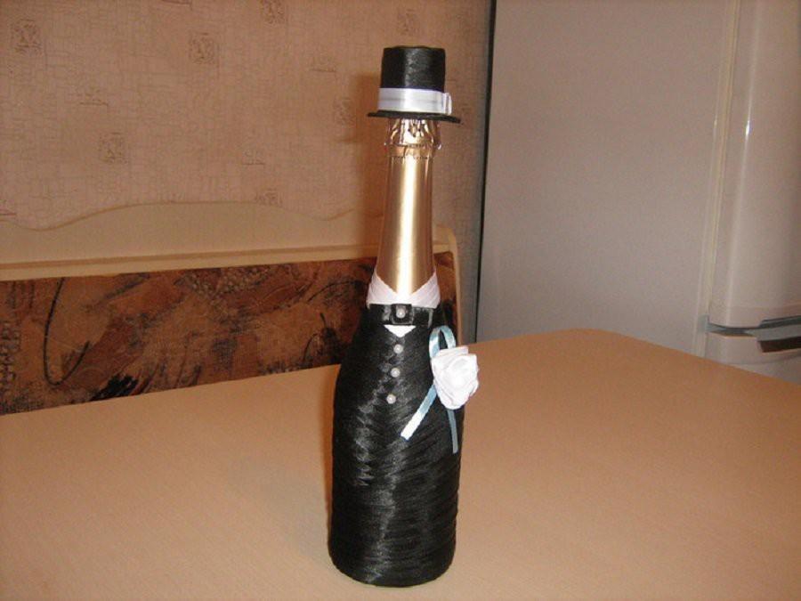 4d32a8530cc8124f44c7c70b54e603a5 Декупаж бутылок своими руками: свадебных, на день Рождения, Новый год. Как сделать декупаж свадебных бутылок шампанского и бокалов?