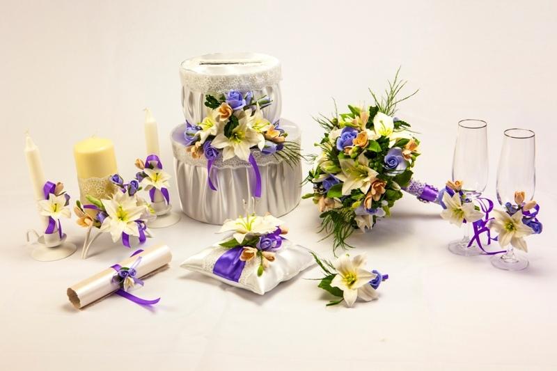 kak-ukrasit-svechi-na-svadbu-svoimi-rukami-yarkol-i-stilno Как сделать свадебную корзину своими руками?