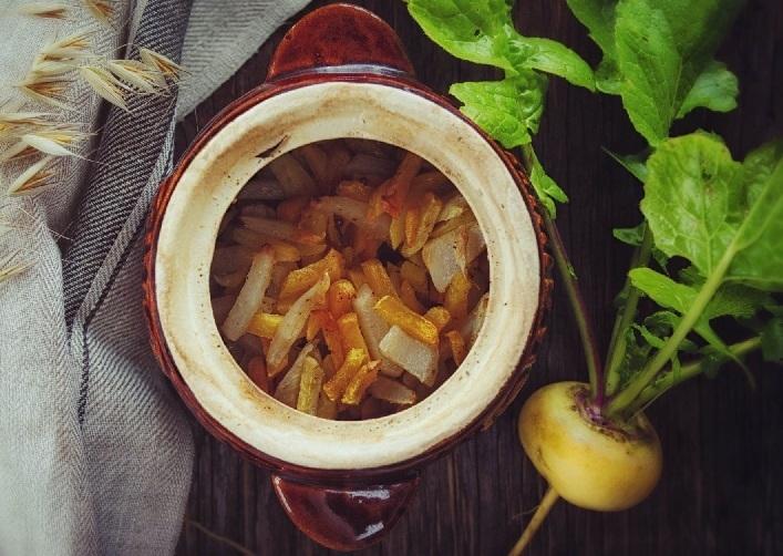 Рецепт репы с курицей в горшочках
