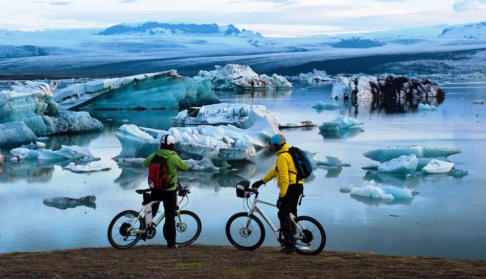 В исландии активно развивается туризм