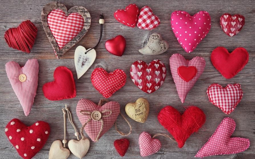 51a1ad2d2a492d32a0e732dc694010ad Поделка — валентинка своими руками из бумаги, ткани: шаблоны, выкроки. Как сделать красивую валентинку своими руками маме, парню, в школу?