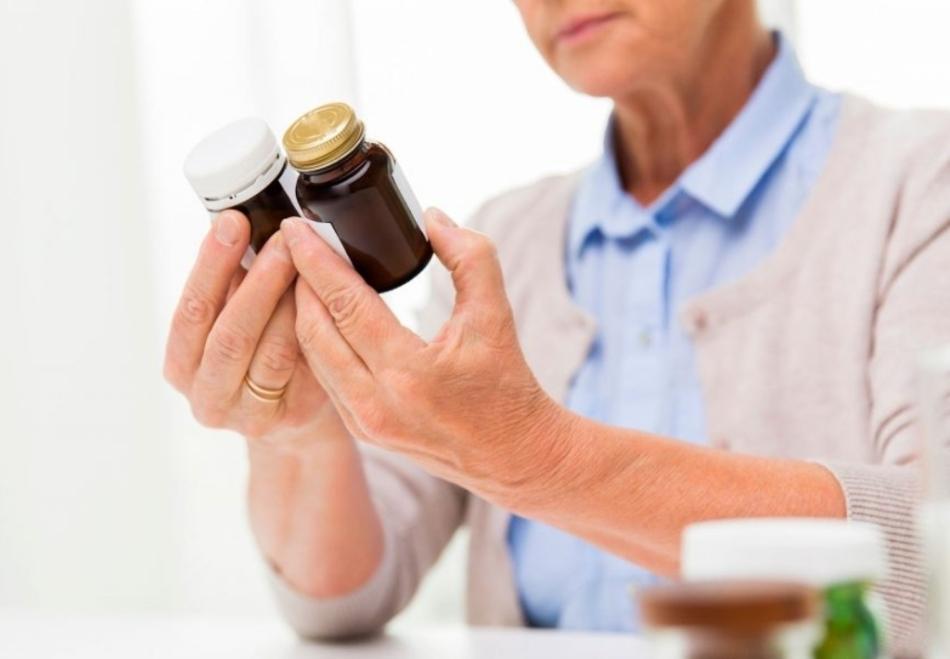 Прием медикаментозных средств обязателен при лечении деменции