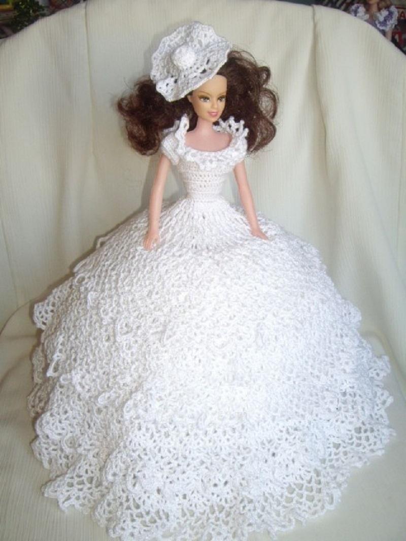 plate-dolzhno-poluchitsya-takim Одежда для куклы Барби и Монстер Хай крючком и спицами: схемы с описанием, фото. Как связать платье для куклы Барби и Монстер Хай крючком для начинающих?