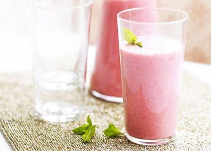 Кефир и свеклу нельзя применять для похудения больным сахарным диабетом и тем, у кого повышенная кислотность желудка