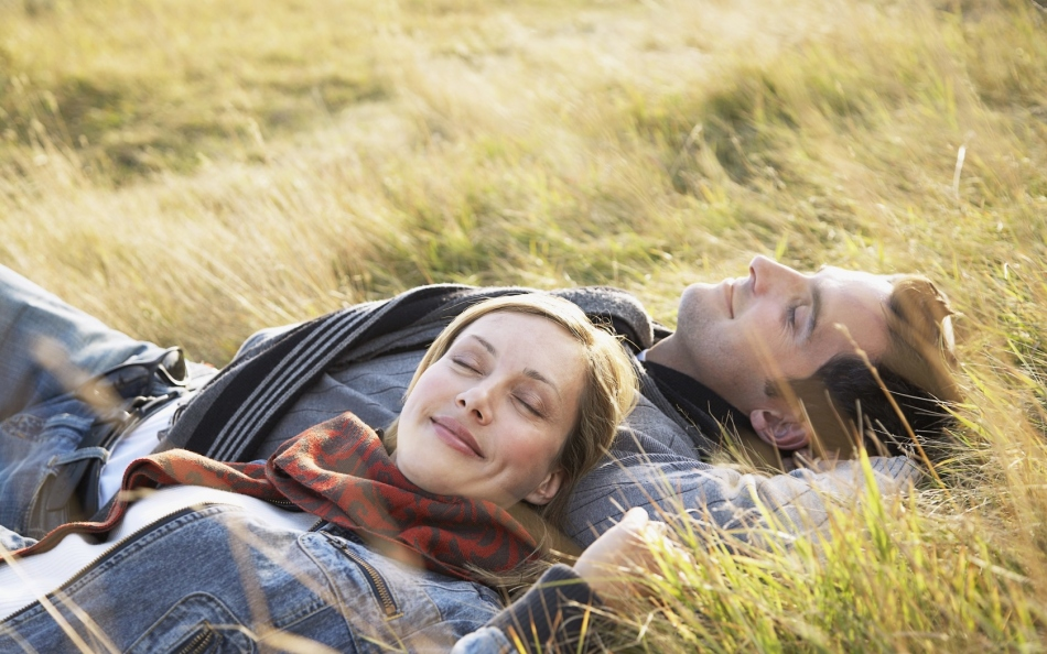 Стрелец поможет деве научиться расслабляться и чаще радоваться жизни