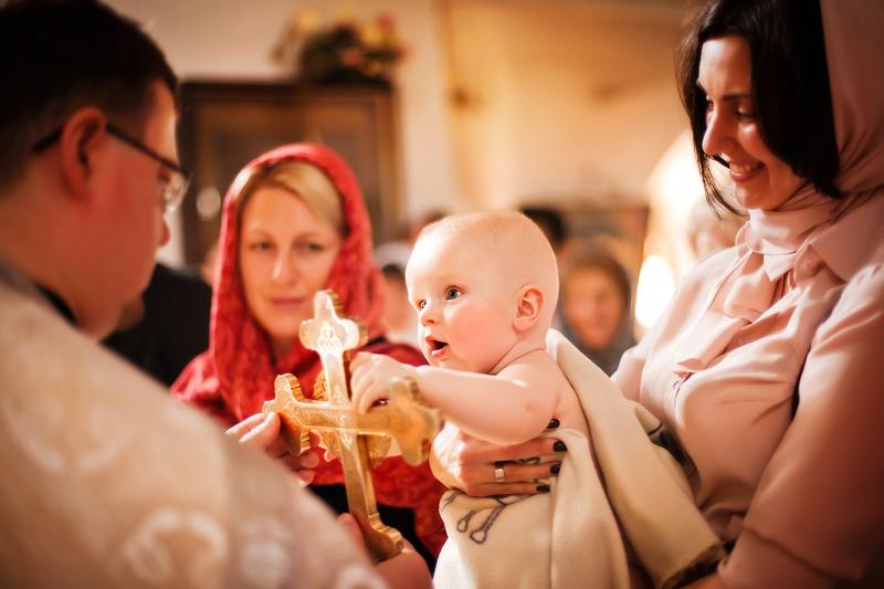 Сколько длится крещение ребенка?