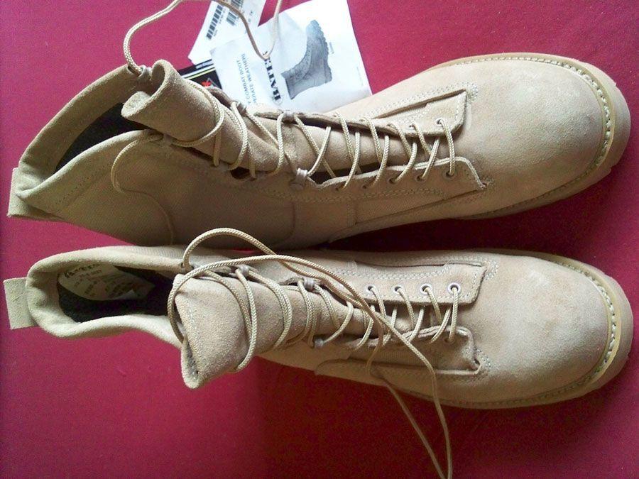 При излишней потливости следует дезинфицировать обувь и избавляться от запаха
