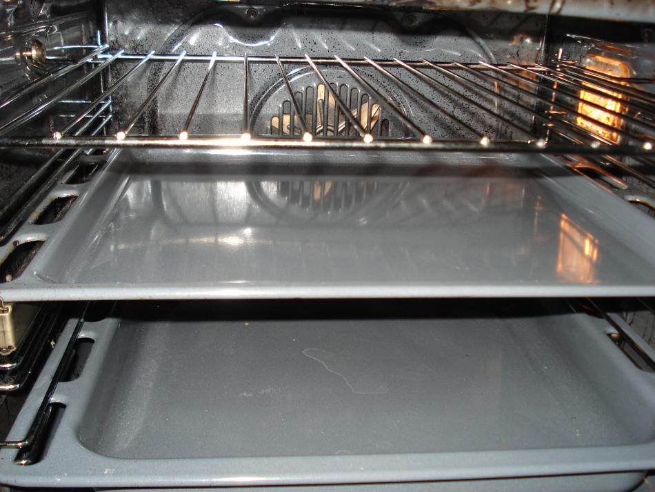 Сажа в духовке