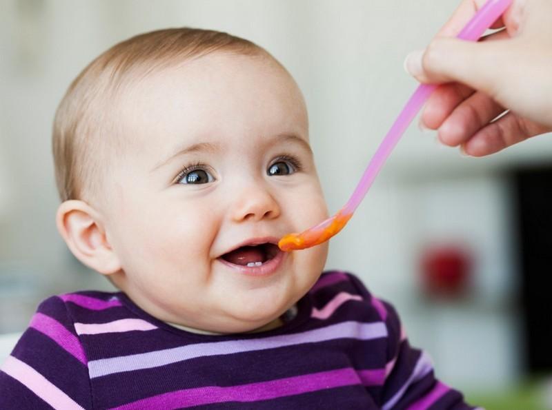 Ложечка для кормления грудного ребенка