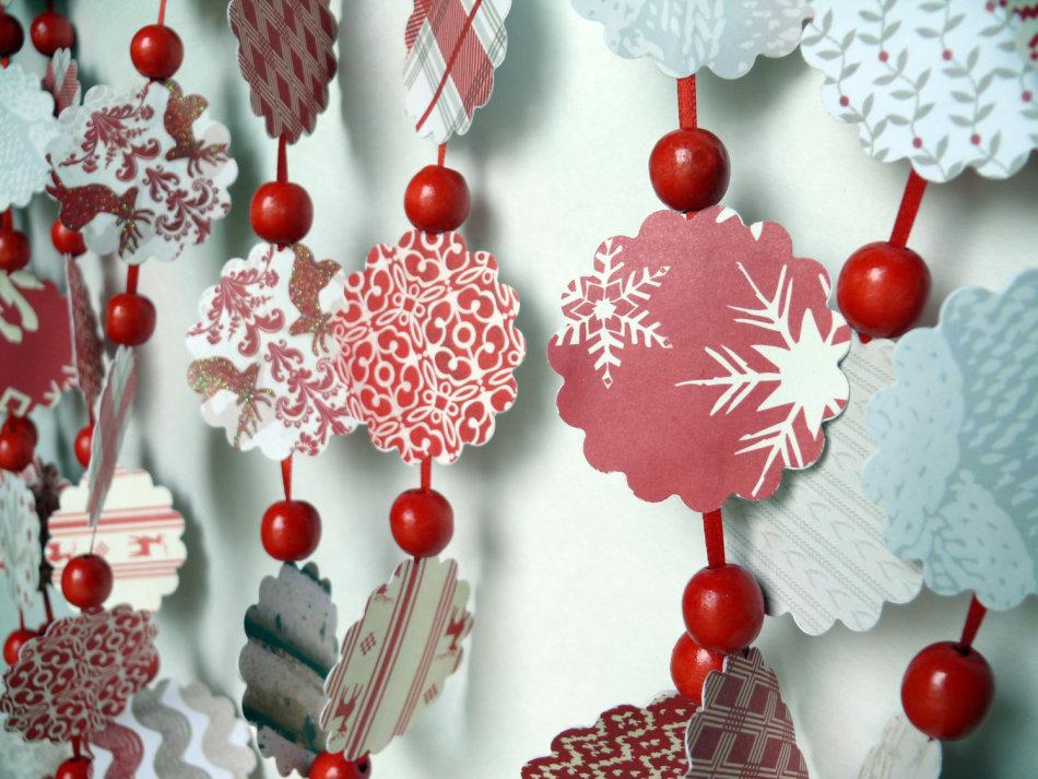 5ae07e9690cb0b7866a51a8f6fb952ac Как сделать гирлянду из бумаги своими руками — схемы, шаблоны. Как сделать гирлянду из гофрированной бумаги. Гирлянды на день рождение, свадьбу, новый год в домашних условиях