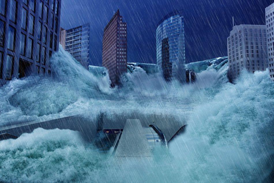 Потоп на улицах во сне - предостережение от необдуманных высказываний и поступков.