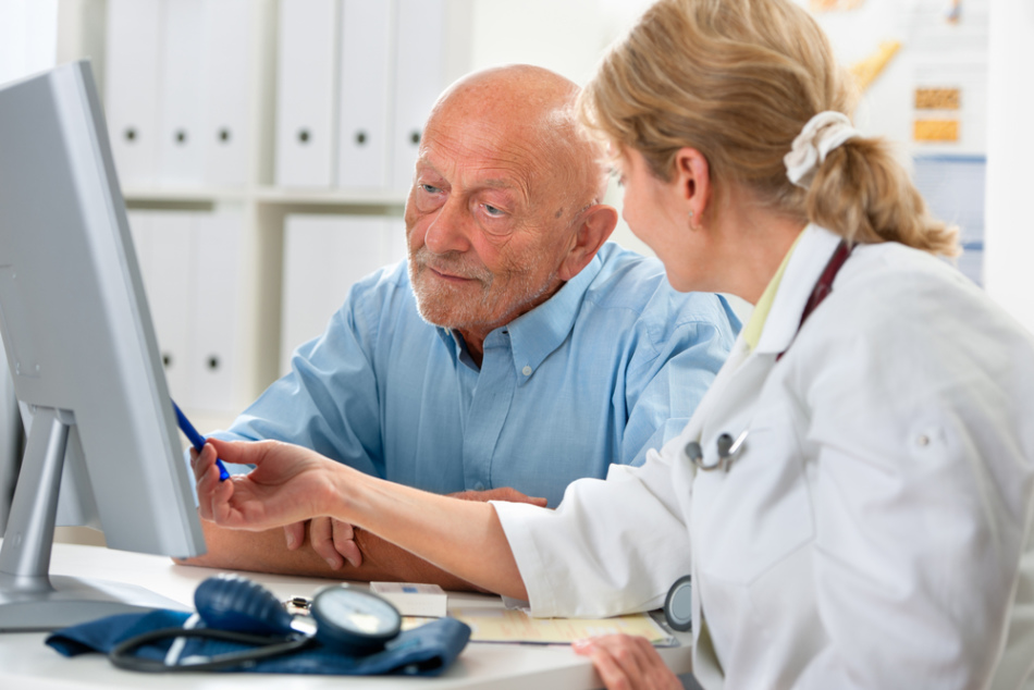 Пациент на приеме у невролога