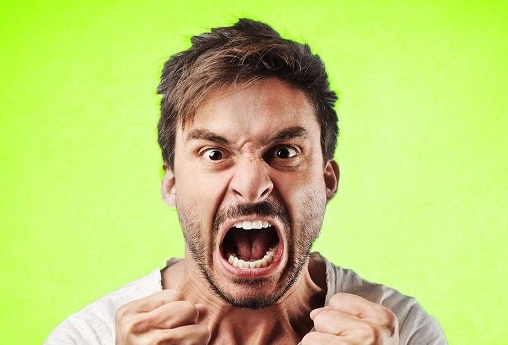 Гнев вызывает не только мимическое изменение, но внутренние перемены