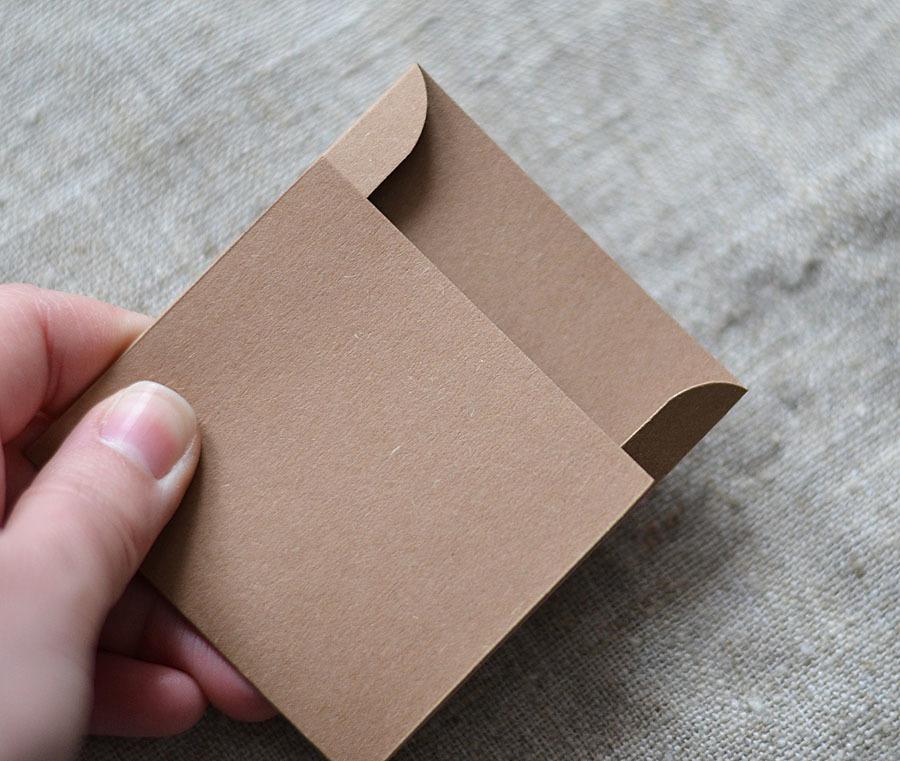 Как сделать кармашек на открытку из бумаги, для дяди