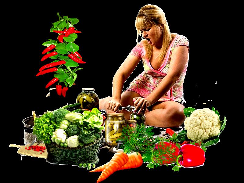 Девушка спешит закрыть овощные приправы на зиму